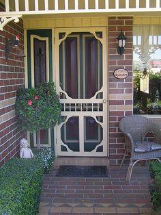 Old time screen door Vintage Screen Doors, Old Screen Doors, Wooden Screen Door, Wooden Doors, Front Doors, Front Porch, Cottage Living, Cozy Cottage, Doors Galore