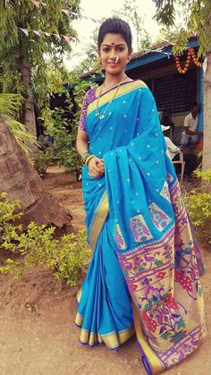Marathi Nath, Marathi Saree, Marathi Bride, Exotic Beauties, Beautiful Saree, Sunny Days, Sunnies, Sari, Culture