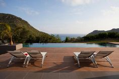 Located on the highest hills on the island, the villa features a remarkable backdrop: St. Barthelemy 6