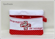 trousse pharmacie voyage