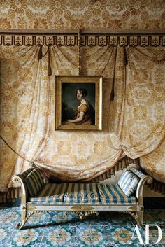 Purely marvelous: a trompe-l'œil tented room painted by in Palazzo Di Lorenzo Castelluccio in Noto, Sicily. From the May issue of Photo by Classic Interior, Home Interior, Interior And Exterior, Interior Decorating, French Daybed, Italian Empire, Tent Room, Style Empire, Italian Villa
