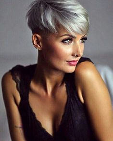 mentions J'aime, 131 commentaires – Jenny Schmidt ( sur In… - Modern Short Grey Hair, Short Hair Cuts For Women, Short Silver Hair, Funky Hairstyles, Pretty Hairstyles, Medium Hair Styles, Short Hair Styles, Corte Y Color, Short Pixie Haircuts