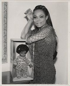 New black history icons eartha kitt Ideas Vintage Black Glamour, Vintage Beauty, Black Is Beautiful, Beautiful People, Beautiful Women, Black Girls, Black Women, Old Hollywood, Hollywood Stars