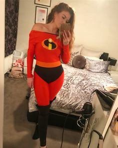 The Incredibles CosPlay (The Girls) Halloween Costumes Redhead, Hero Costumes, Halloween Cosplay, Halloween Outfits, Diy Costumes, Costumes For Women, Halloween Makeup, Incredibles Costume Diy, The Incredibles Elastigirl