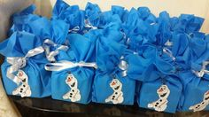 goody bags ... blue bags with added printed Olaf