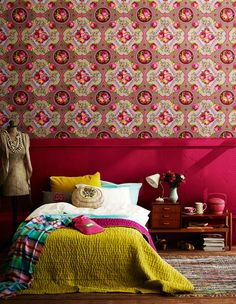 Pink bedroom... love the wallpaper and bold contrasting colors