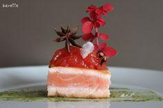Tronco de salmón con chutney de tomate anisado.