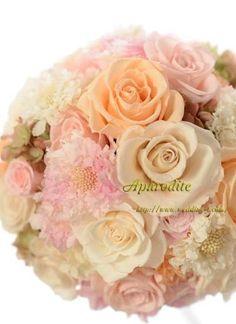ウエディングブーケ専門ショップ・アフロディーテ(Wedding Bouquet Aphrodite)  プリザーブドのクラッチブーケ