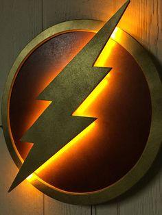 DC Comics Justice League The Flash LED Illuminated Superhero Logo Night Light Wall Art for mancave or boys bedroom