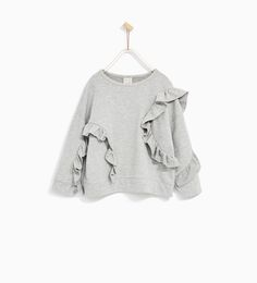 FRILLED SWEATSHIRT