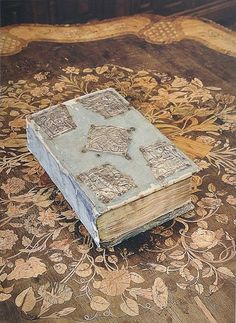 This 1627 Gospel was a gift from Tsar Nicholas II  of Russia to his wife, Empress Alexandra Feodorovna. It was presented to her in 1916 to celebrate Easter.