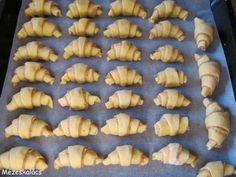 diós kifli Slovak Recipes, Nutella, Stuffed Mushrooms, Cooking Recipes, Sweets, Vegetables, Ethnic Recipes, Cakes, God