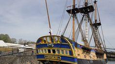 La réplique de l'Hermione amarrée à Rochefort va recruter 200 marins volontaires pour sa traversée de l'Atlantique.