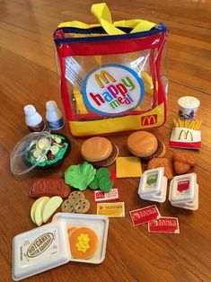 barbie toy McDonalds Play Food Set With Clear Backpack Case Fries Nugget Hot Cakes Pickle Miniature Crafts, Miniature Food, Barbie Food, Barbie Dolls, Toys For Girls, Kids Toys, Baby Toys, Mcdonalds, Play Food Set