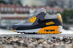 Nike Air Max 90   Pale Grey, Anthracite & Orange