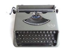 Halberg typewriter, rare portable 1954 writing machine, QWERTY, case included. #Halberg
