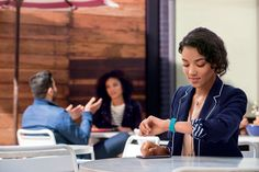 Fitness trackers and smart analogue watches to lead wearables sales