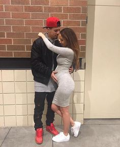 Perfect couple, life и goals Catherine Paiz, The Ace Family Youtube, Austin And Catherine, Skinny Face, Grunge, Cute Maternity Outfits, Pregnant Outfits, Baby Turban, Relationship Goals Pictures