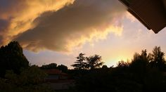 [OC] Cloudy sunset at my window (Toulouse France) [2399x1341]
