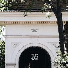London, UK // @lightruststudio