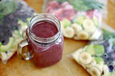 Smoothie Recipes: 10 Super Healthy Freezer Pack Recipes!