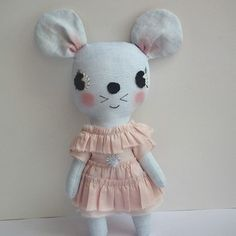 may mouse pale pink dress
