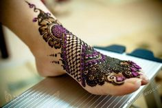 Latest Fashion Mehndi Designs For Brides & Girls