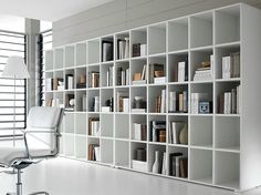 Libreria a giorno laccata Collezione Pratiko by Ideal Form Team | design Nikolas Chachamis