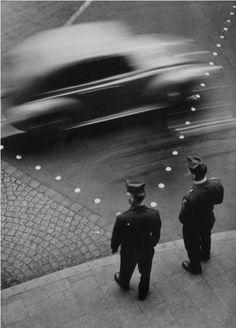 regardintemporel:  Toni Schneiders - Frankfurt, 1951