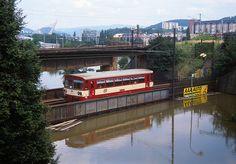 Náhradní dopravu tvořily v době povodní vlaky.