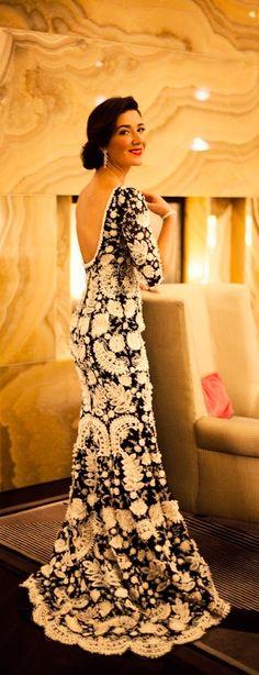 Fabulous Crochet a Little Black Crochet Dress Ideas. Georgeous Crochet a Little Black Crochet Dress Ideas. Beautiful Gowns, Beautiful Outfits, Gorgeous Dress, Beauty And Fashion, Evening Dresses, Formal Dresses, Wedding Dresses, Glamour, Mode Vintage