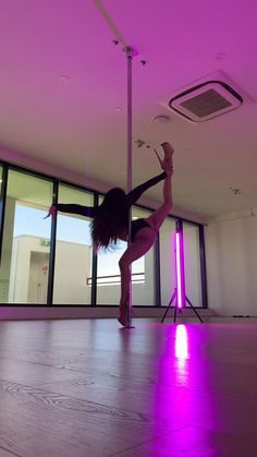 Summer Body Workouts, Gym Workout For Beginners, Workout Videos, Pole Fitness Moves, Pole Dancing Fitness, Belly Dance Lessons, Dance Tips, Stripper Poles, Dance Dreams
