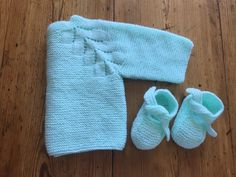 JERSEY HERITAGE. HERITAGE BABY SWEATER. ( Punto dos agujas.) Knitting For Kids, Knitting Projects, Baby Knitting, Crochet Baby, Knit Crochet, Bebe Baby, Baby Cardigan, Baby Sweaters, Baby Patterns