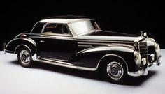 http://ueberschriftennews.blogspot.com/2012/09/inkognita-art-for-you-aus-der-schweiz.html Mercedes-Benz 300 Sc coupe (1955)