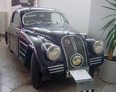 Vintage Cars Car Style Critic: Streamlined Škodas of the Auto Retro, Retro Cars, Vintage Cars, Antique Cars, Fiat 500, Mobiles, Best Classic Cars, Automobile Industry, Automotive Design