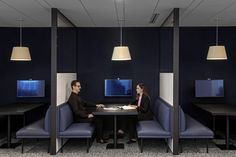 Mitsui and Company Offices - New York City - Office Snapshots Metlife Building, New York City Location, Open Office Design, Modular Workstations, City Office, Booth Seating, Steel Beams, Higher Design, Architecture Office