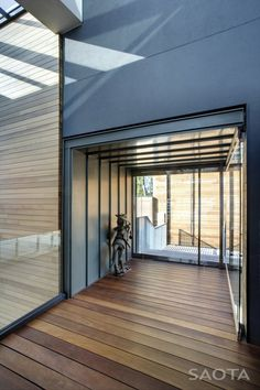 Unique Nettleton 195 House Hallway by SAOTA Architects in Cape Town Wood Architecture, Residential Architecture, Modern Family, Home And Family, South African Homes, Modern Villa Design, Modern Townhouse, Rooftop Patio, Fancy Houses