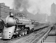 David Daruszka-Chicago Railroad Historians 22 December '17 · Edited ·    The 20th Century Limited departs LaSalle Street Station