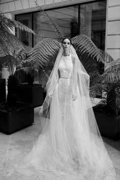 Elie Saab Fall 2019 Bridal Fashion Show Collection: See the complete Elie Saab Fall 2019 Bridal collection. Look 8 Fantasy Wedding Dresses, Second Wedding Dresses, Designer Wedding Gowns, Bridal Wedding Dresses, Bridal Style, Bridal Hair, Elie Saab Bridal, Elie Saab Fall, Grace Loves Lace