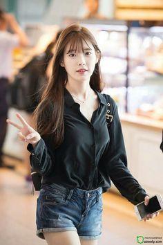 160826 IU @ Incheon Airport departing for ShenZhen by Dooooly Kpop Fashion, Korean Fashion, Fashion Models, Fashion Outfits, Womens Fashion, Korean Women, Korean Girl, Asian Girl, Korean Celebrities