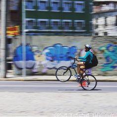 STREETPHOTO_BRASIL   @alesson_gois  Data: 18 Jan 2016 Seleção: @anthony_carlos09  Parabéns  Marque você também para fotografias de rua #StreetPhoto_Brasil e apareça por aqui!   @StreetPhoto_Brasil #streetphotography #streetview #chiquesnourtemo #igersbrasil #galeriamink #saopaulowalk #instastreet #igers #instagrambrasil  #achadosdasemana #fotografiaderua #urban #instastreet #saopaulocity #supermegamasterpics #vscostreet #visualbrasil #ig_saopaulo_ #vscocam  #icu_brazil #parededevidro…