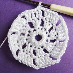 Vánoční dekorace: Návod na obháčkovanou kouli 6 Crochet Earrings, Mini, Blog