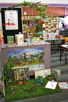 Lovely dinosaur invitation to play science area Play Based Learning, Learning Spaces, Learning Through Play, Learning Centers, Early Learning, Learning Environments, Dinosaur Small World, Dinosaur Play, Small World Play