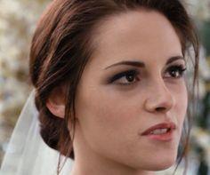 Google Image Result for http://makeupforlife.net/wp-content/uploads/2011/11/kristen-stewart-bella-swan-bridal-makeup-look-breaking-dawn.jpg