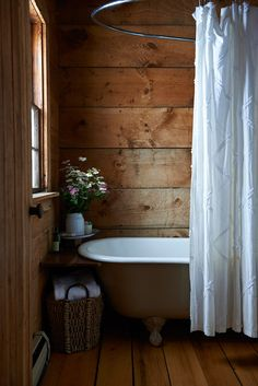 Rustic bathrooms 639300109589765384 - You are planing to design your house in this style? Let's check the best rustic bathroom ideas this year! Source by dovenda Bad Inspiration, Bathroom Inspiration, Bathroom Ideas, Budget Bathroom, Master Bathroom, Bathroom Wall, Modern Bathroom, Master Baths, Remodel Bathroom