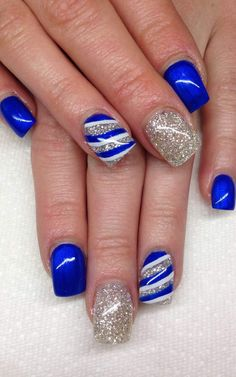 Awesome Blue Nails for Prom