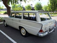 Vintage Cars 1966 Mercedes Benz 230 Universal station wagon - Learn more about Unusually Dry: 1966 Mercedes Benz 230 Universal on Bring a Trailer, the home of the best vintage and classic cars online. Mercedes Auto, Mercedes Benz Germany, Old Mercedes, Mercedes Benz Maybach, Classic Mercedes, Best Classic Cars, Classic Cars Online, Station Wagon Cars, Grand Luxe