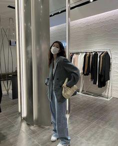Kpop Fashion Outfits, Korean Outfits, Mode Outfits, Retro Outfits, Cute Casual Outfits, Korean Girl Fashion, Korean Street Fashion, Mode Inspiration, Types Of Fashion Styles
