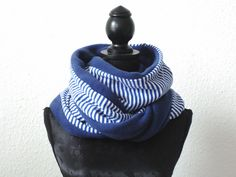Loop Rundschal blau gestreift von lucylique - Mode und Accessoires made in Leipzig auf DaWanda.com