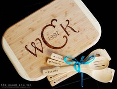 The Moon and Me: DIY Personalized Cutting Board. Need to get me a wood burning tool!